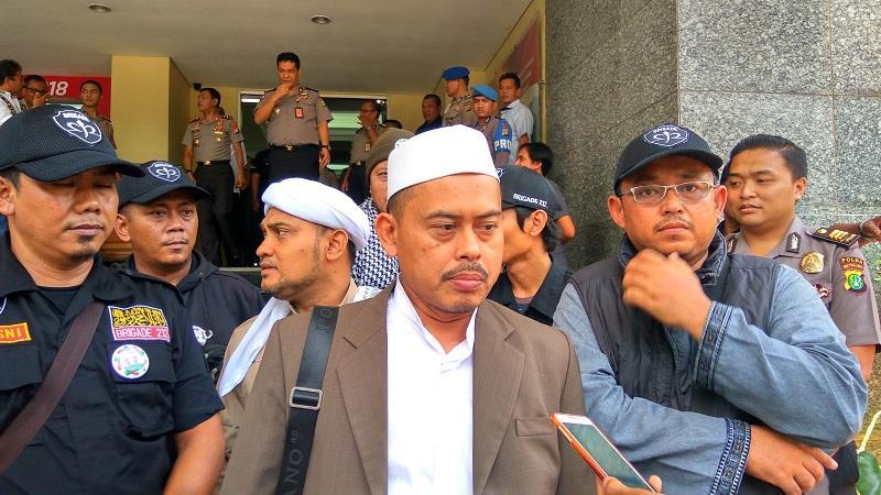 Kata PA 212 soal Dirangkul Ma'ruf Amin Dukung Jokowi