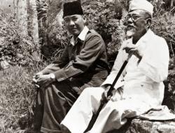 Meski Difitnah dan Dipenjara, Buya Hamka Tetap Bersedia Jadi Imam Shalat Jenazah Soekarno