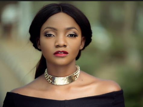 Simi Indicates How She Is Raising Her Daughter