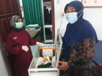 Keluarga TNI AU di Jakarta Berminat Rawat Bayi Dibuang di Blitar