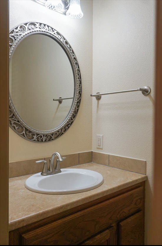 169 Sun Hawk powder room