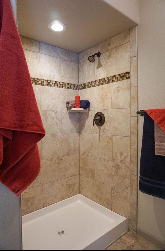 Master step-in shower in 170 Night Hawk