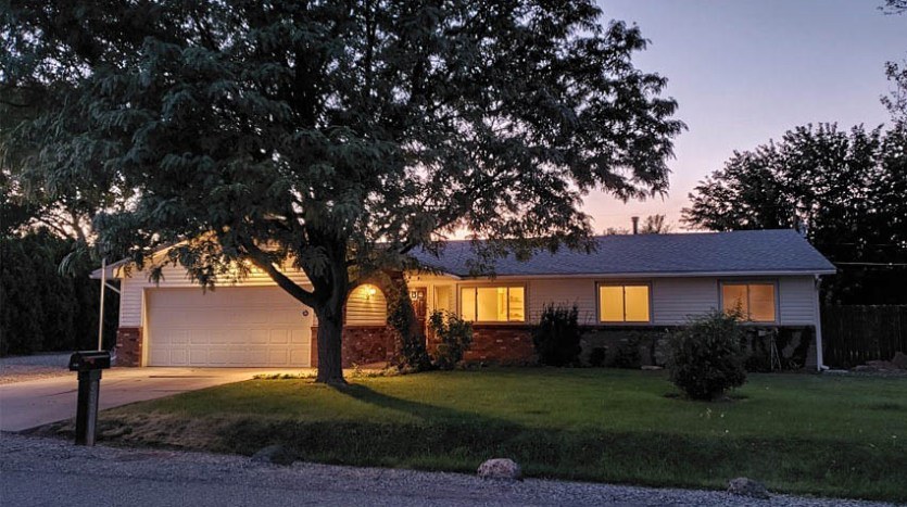 535 Oriole Drive is a 3 bedroom 2 bath home on the Redlands
