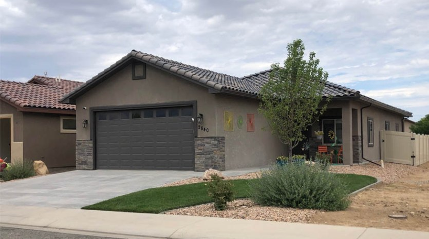 2840 Kelso Mesa Drive is a 3 bedroom, 2 bath home in Grand Junction, CO.