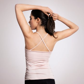 les_sublimes_tokyo_tank_in_rose_on_model_back_2048x2048