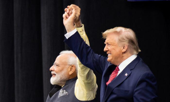 Trump Modi 700x420