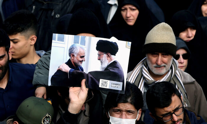 demonstrator in iran 700x420 1
