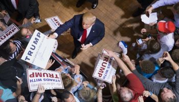 Dems reportedly warning preelection economic surge could boost Trump