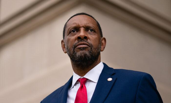 Georgia Lawmaker Jones Weighs Run to Be State's Secretary of State