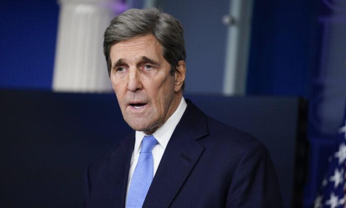 Biden Climate Czar John Kerry Spotted Maskless on Plane