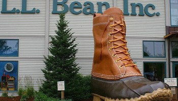 Is LL Bean unamerican? Yes, along with all businesses requiring any American with documented respiratory illness to wear a mask.