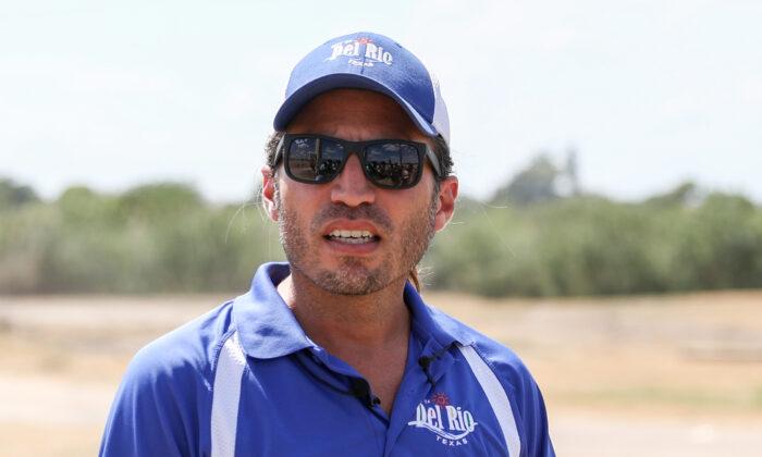 Del Rio Mayor Calls Out Biden, Harris for Failing to Visit Border in Crisis
