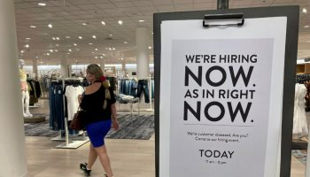 Jobless Claims Rise Above Expectation to Highest Level in a Month