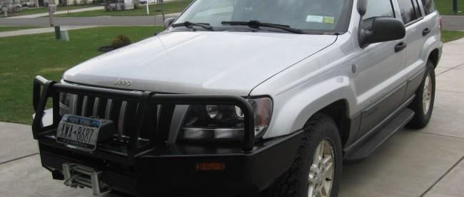 Jeep Grand Cherokee with ARB Bull Bar.