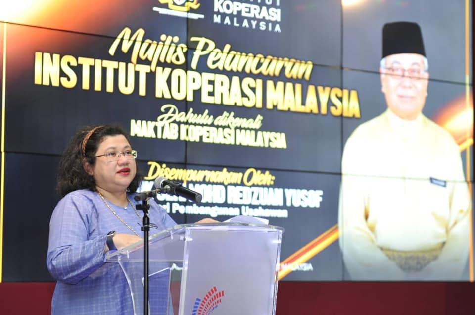 Wan Suraya ketika berucap pada Majlis Pelancaran IKM (Kredit foto MED)