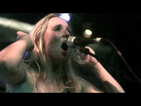 , Lissie – 'Pursuit of Happiness' (Kid Cudi cover)