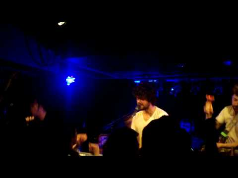 , Video: Passion Pit – Sleepyhead (live in Whelan's)
