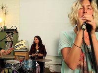 , Video: Warpaint Yours Truly live session