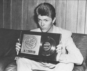 David Bowie with his award