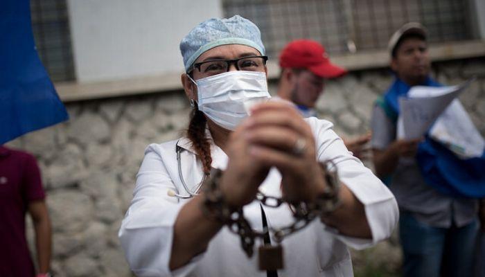 El personal médico en primera línea de contagio