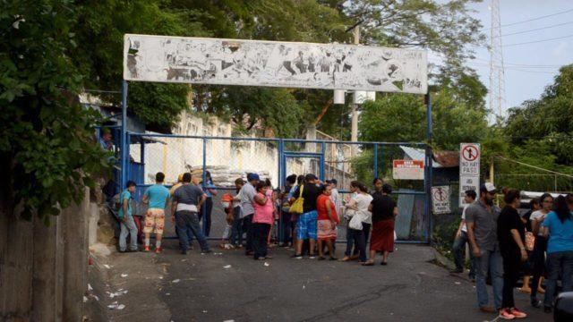 Torturas psicológicas y agresiones físicas sufren los presos políticos en Nicaragua, según denuncian madres y familiares de reos.