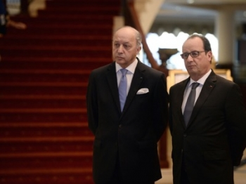 Francois Hollande Laurent Fabius seconds couteaux