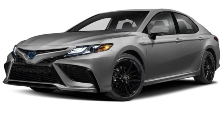 toyota-camry-hybrid-silver-2021