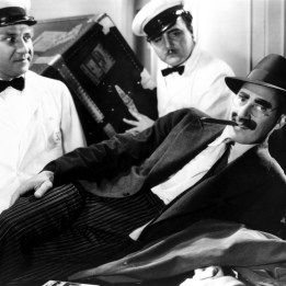 Marx Brothers (A Night at the Opera)_08