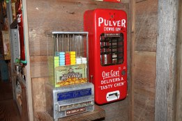 vintage vending devices machines (16)