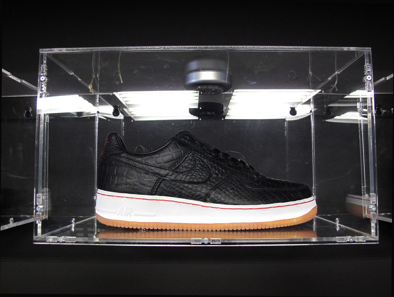 new style d25fe 26b44 Solebox x Nike iD Air Force 1s