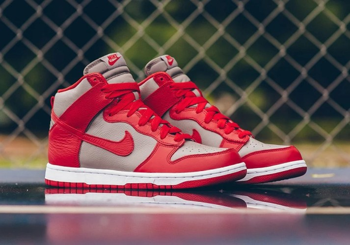 """new arrival 82b91 c0796 Nike Vintage Dunks """"Be True To Your School"""" – UNLV"""