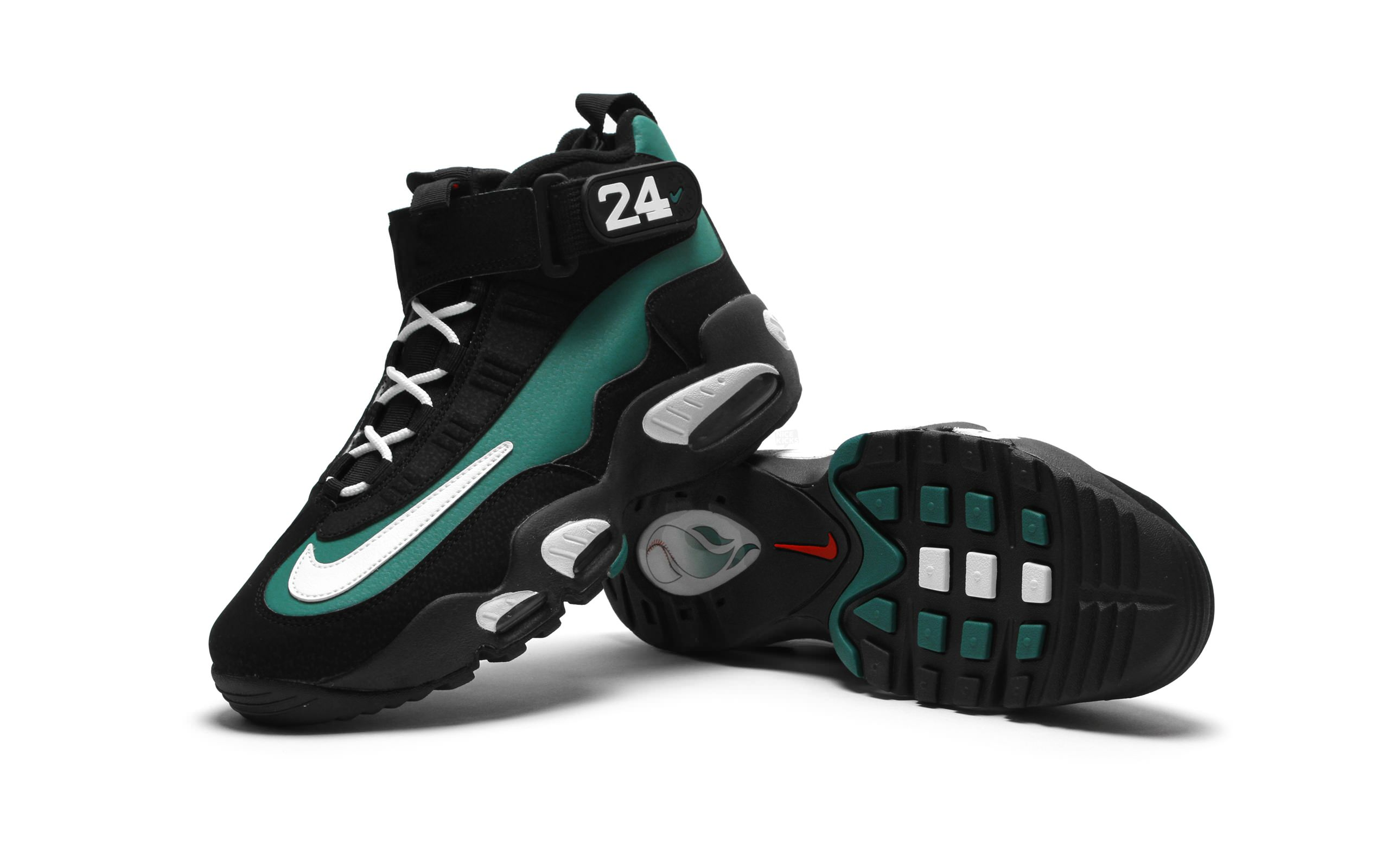 8 Non-Basketball Shoes That Would Work Well On the Hardwood 203fc9146