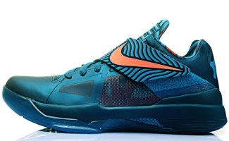 "online retailer f78a8 c7267 Release Reminder: Nike Zoom KD IV ""Year of the Dragon"""