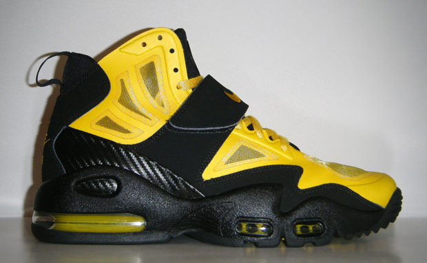 new style 23847 f182e Nike Air Max Express Speed Yellow Black   Nice Kicks