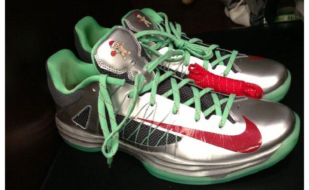 d9b176b66dcf Nike Hyperdunk 2012 Low