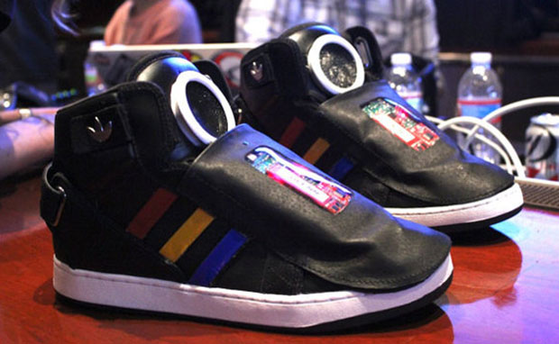 Google Unveils Talking Shoe at SXSW  22e5196bac