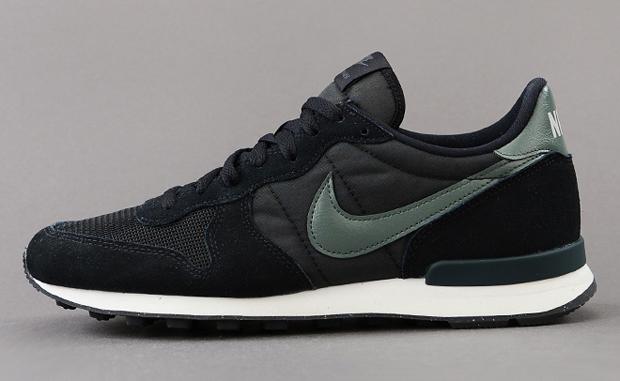 save off 2a1f0 363cc Nike Internationalist Black Mica Green