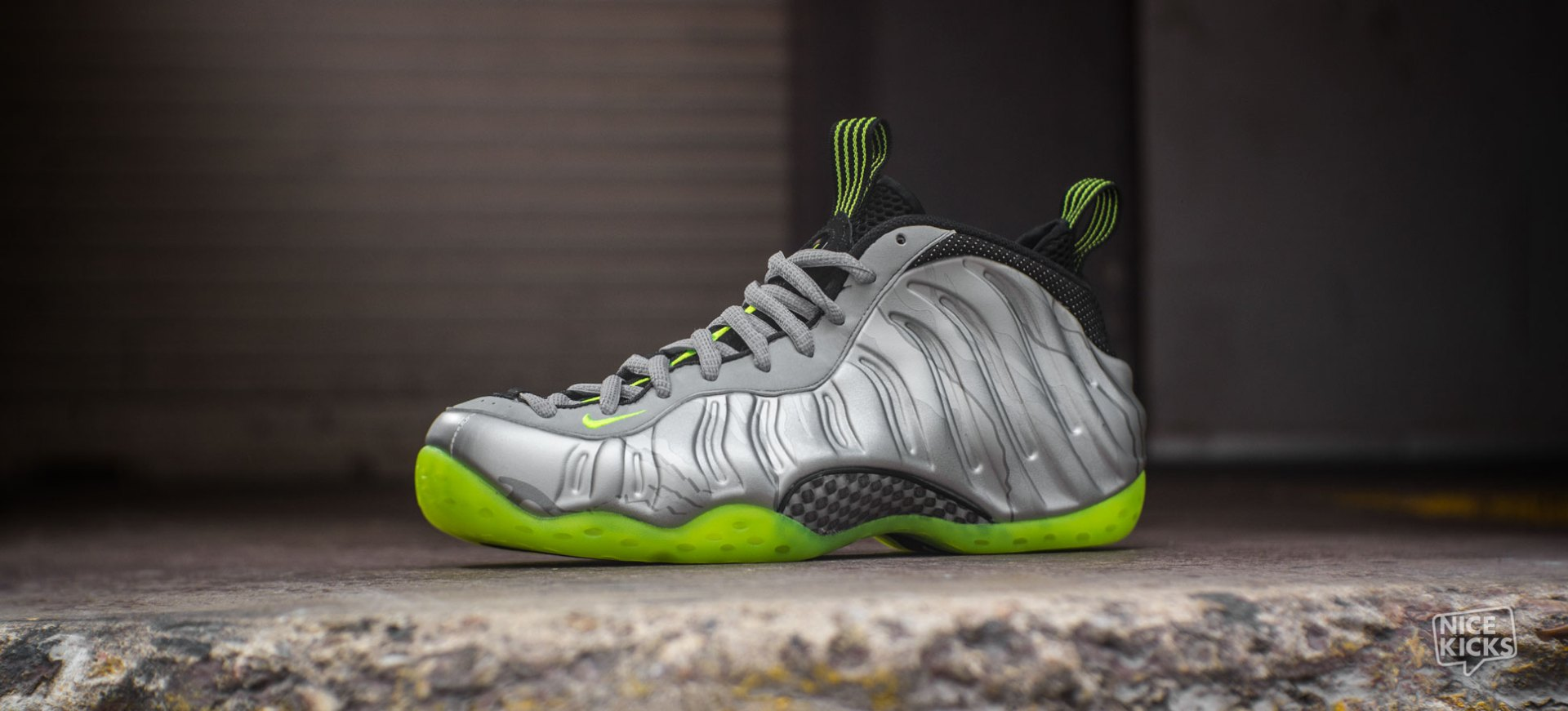 pretty nice 15ef0 6de35 Nike Air Foamposite One Metallic Silver/Volt Detailed Images ...