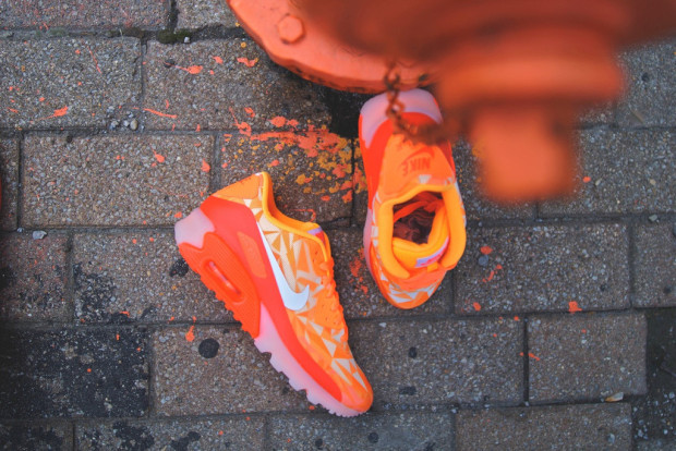 "cheaper b2849 0e74a Nike Air Max 90 Ice ""Atomic Mango"""