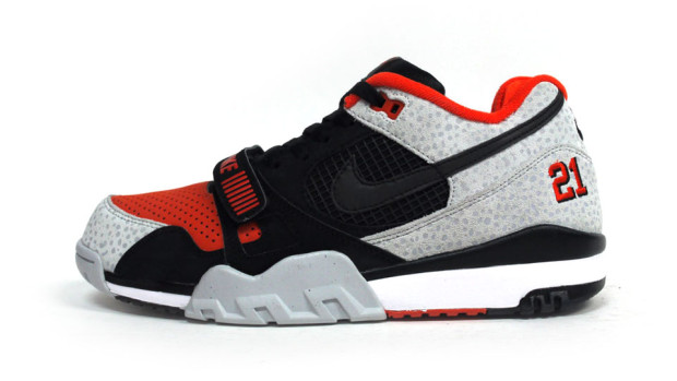 "timeless design 5ab57 f9277 Nike Air Trainer II ""Barry Sanders"""
