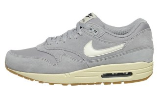"""online store 515f7 a40eb The Drop Nike Air Max 1 Essential """"Matte Silver"""""""