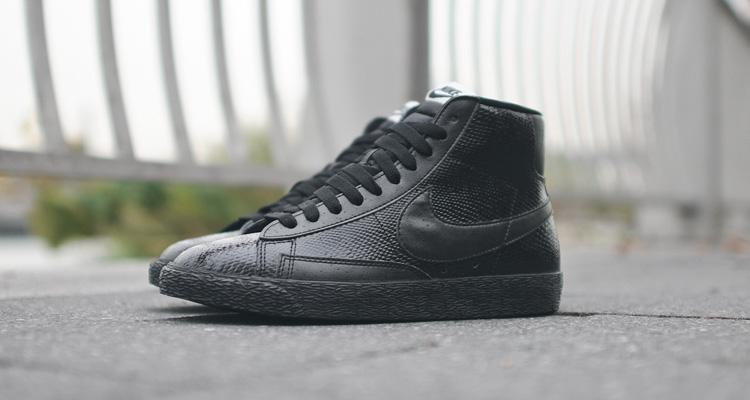 a3bf0609d25d Nike WMNS Blazer Mid PRM