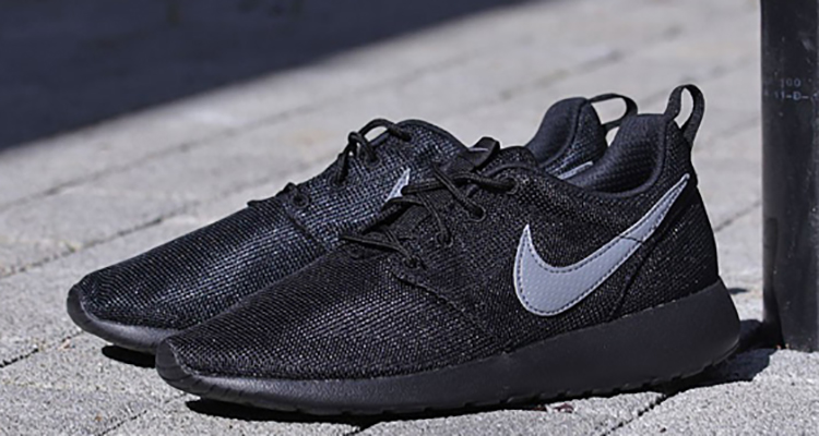 36d63a462f5b Nike Roshe Run Black Cool Grey Available Now