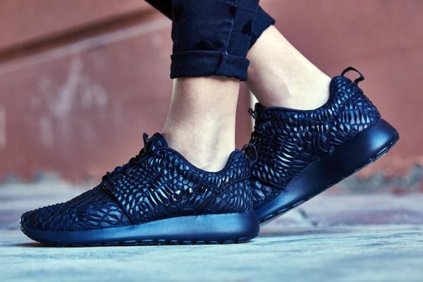 uk availability 8537e 4b0c4 Nike Roshe Run DMB