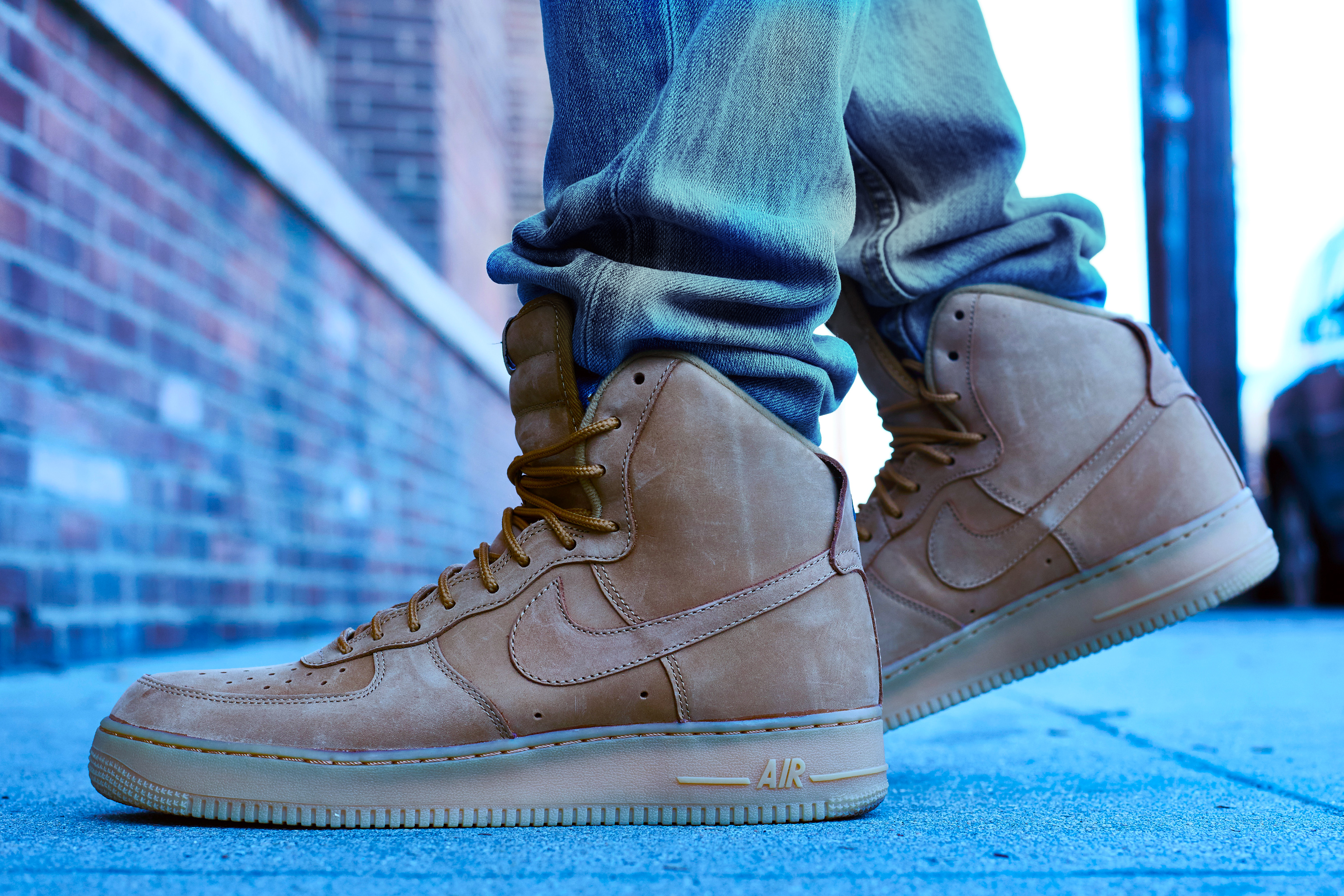 sports shoes acc83 24c3b On-Foot Look    Nike Air Force 1 High