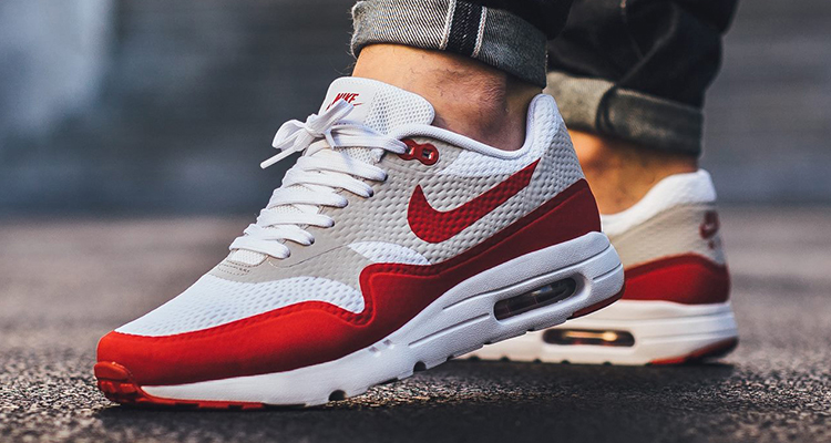 new arrival 99d23 fbbc8 Nike Air Max 1 Ultra Essential White Red