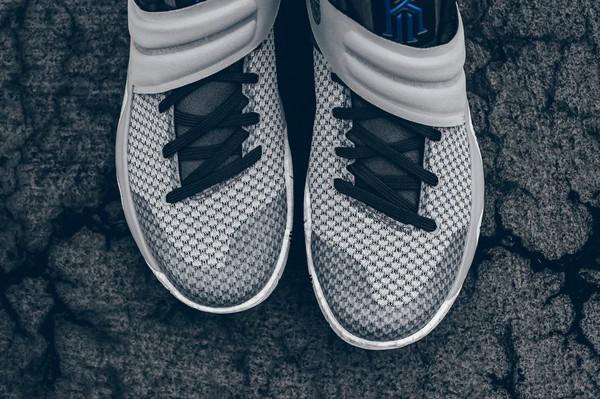 Nike Kyrie 2 Omega
