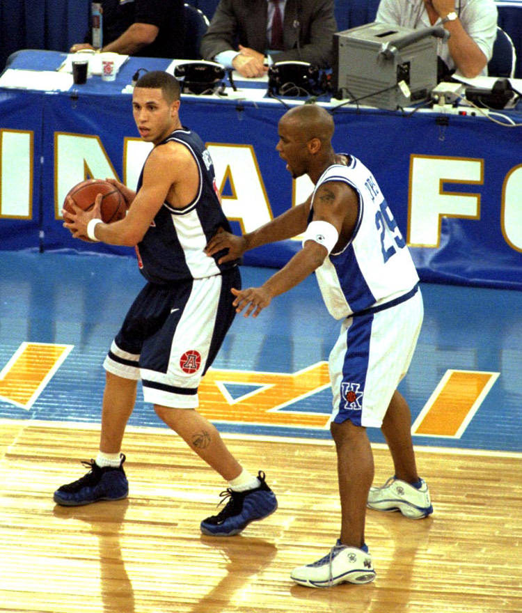 c0182c175c26f This Day in Sneaker History    Mike Bibby Debuts the Nike Air ...