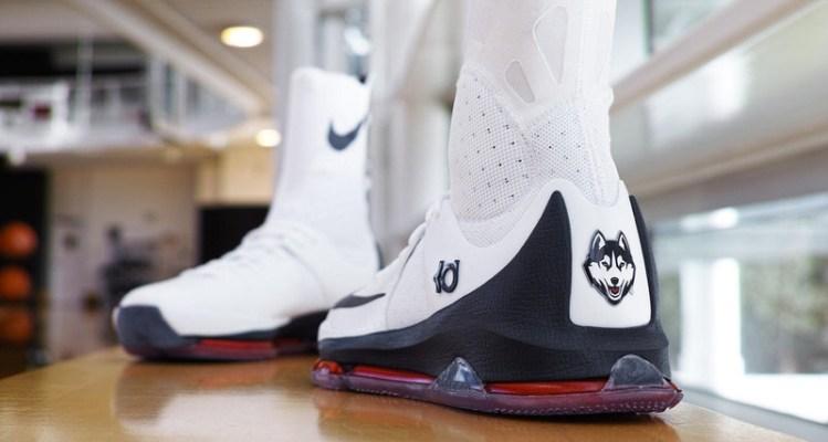 Nike KD 8 Elite UCONN PE