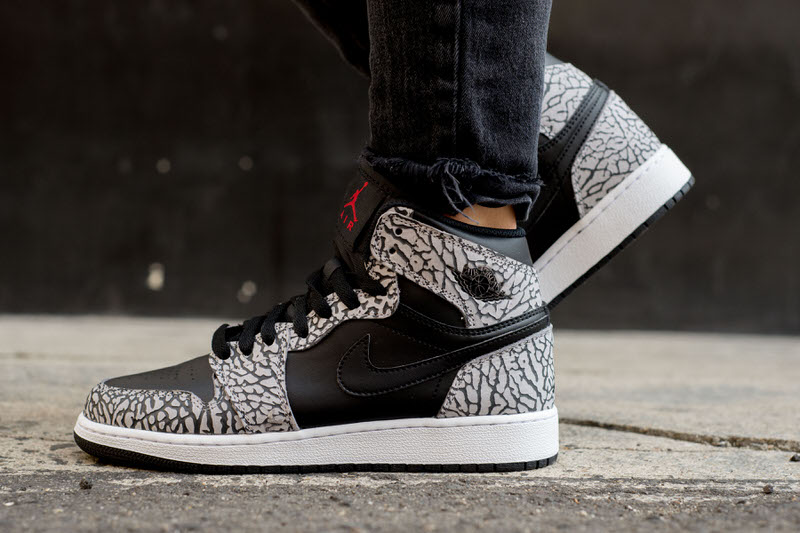 quality design a3493 c10a7 On-Foot Look    Air Jordan 1 High Black Cement